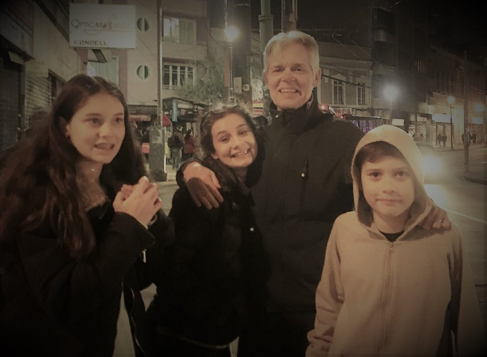 Rodrigo with his children in Chile
