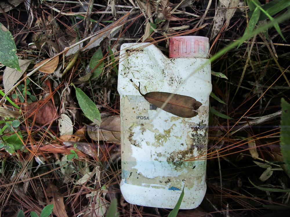 Punto de contaminacion arriba de toma de Aguas del Siguatepeque donde hay siembras de cafe y tomate