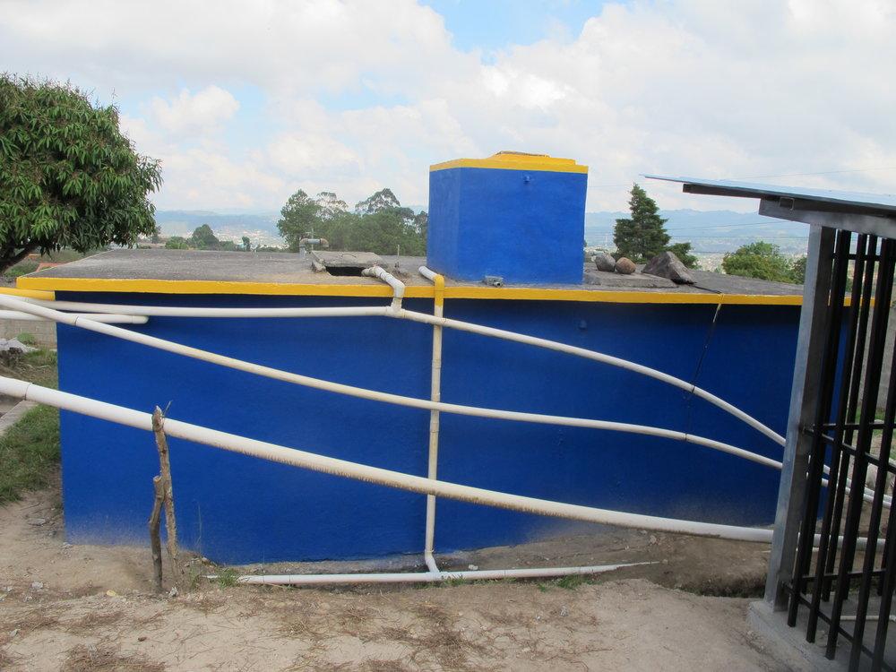 Tanque con capacidad de 11 mil galones