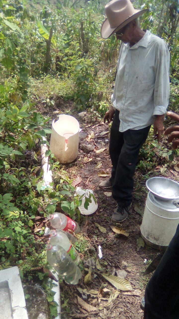 La tubería ya no cuenta con presion suficiente, agua del proyecto #3, y hay una poblacion sin agua 25 familias