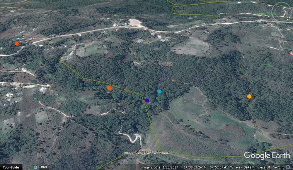 Los puntos azules son el tanque y la toma de La Colonia Mata y los puntos armarillos son la toma y los tanques de Las Flores.