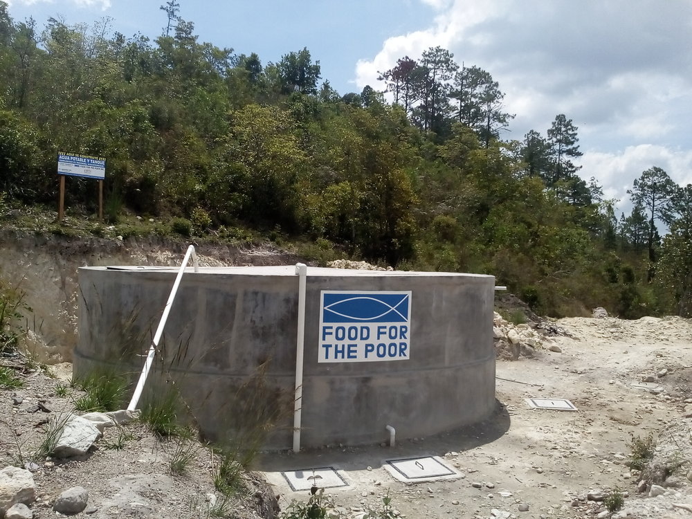 El tanque del poso de agua, un projecto de la comunidad