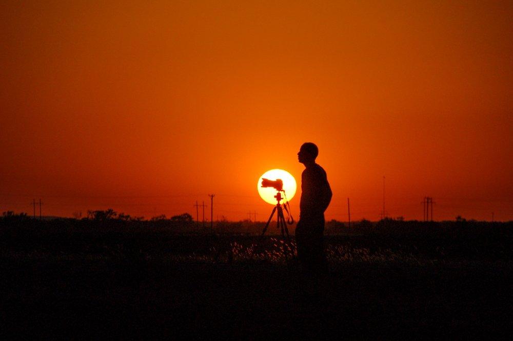 Zonsondergangen - Met de laagstaande zon zijn er altijd fantastische wolkenluchten zichtbaar aan het einde van de dag. Een moment van rust na de vaak hectische jacht op supercells en tornado's eerder op die dag.