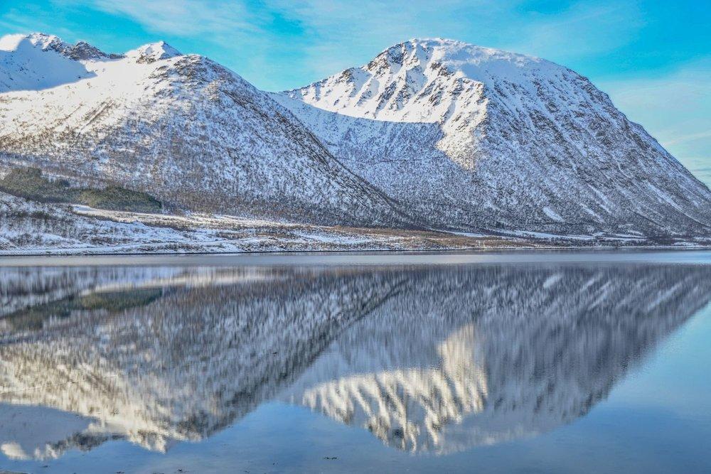 Dinsdag 5 maart - Lofoten - Tromsø - Vandaag rijden we terug naar Tromsø. We laten het fjordenlandschap aan ons voorbij gaan en komen in de namiddag aan bij onze accommodatie. Uiteraard gaan we na het avondeten weer op pad op zoek naar het noorderlicht.Overnachting: comfortabele accommodatie in de buurt van Tromsø