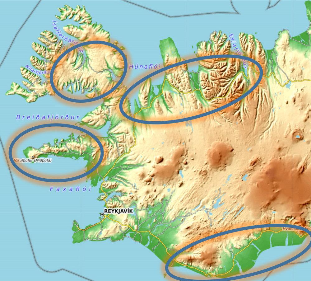 IJsland: florden & vulkaanlandschap - Op IJsland zijn we nog flexibeler want het weer is daar nog grilliger dan in Noorwegen. We hebben het hele zuiden, westen en noorden van het eiland als doelgebied. Pas vlak van te voren bepalen we waar ons reisdoel daadwerkelijk zal zijn. Bij zuidenwind is het bewolkt en regenachtig langs de hele zuidkust en vaak ook langs de westkusten van het eiland. In dat geval kiezen we de ruige noordkusten op. Dat kunnen de grillige kusten van het flordenlandschap zijn in het uiterste noordwesten, maar ook de noordkust tot bij Akureyri.Komt de wind uit het noorden, dan is de 'Hringvegur' (nationale rondweg nummer 1) langs de zuidkust ideaal. Vaak zorgen droge winden over de bergen voor het oplossen van de wolken die vanuit het noorden over het binnenland zuidwaarts gaan. Dan pakken we deze beroemde weg die ons voert langs gletchers, watervallen en het IJsmeer Jökulsárlón.bron: opentopo.org