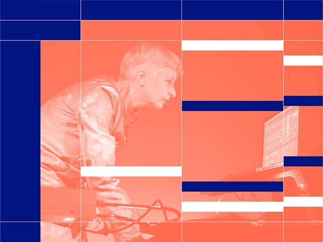 @donnamaya.de zeigt allen noobs wie einfach mit @ableton Ideen umzusetzen sind. Später wird sie auch noch ihr live set-up bestehend aus Ableton, Theremin und Live-Visuals präsentieren.  #diy #timetools #hafven #festival #studio #mastering #musicproduction #trialanderror #hannover #housemusic #techno #beats #mpc #ableton #abletonlive #donnamaya