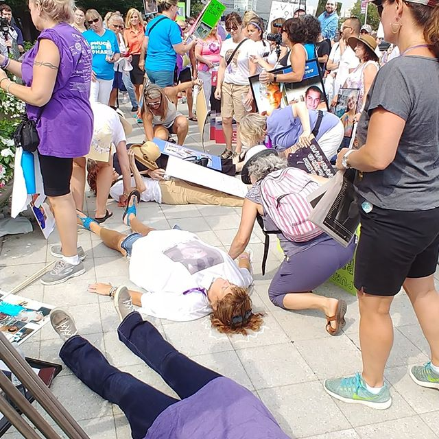 Vestada protesting perdue pharma in stamford! #thespoon #media #alexa #vestadalux