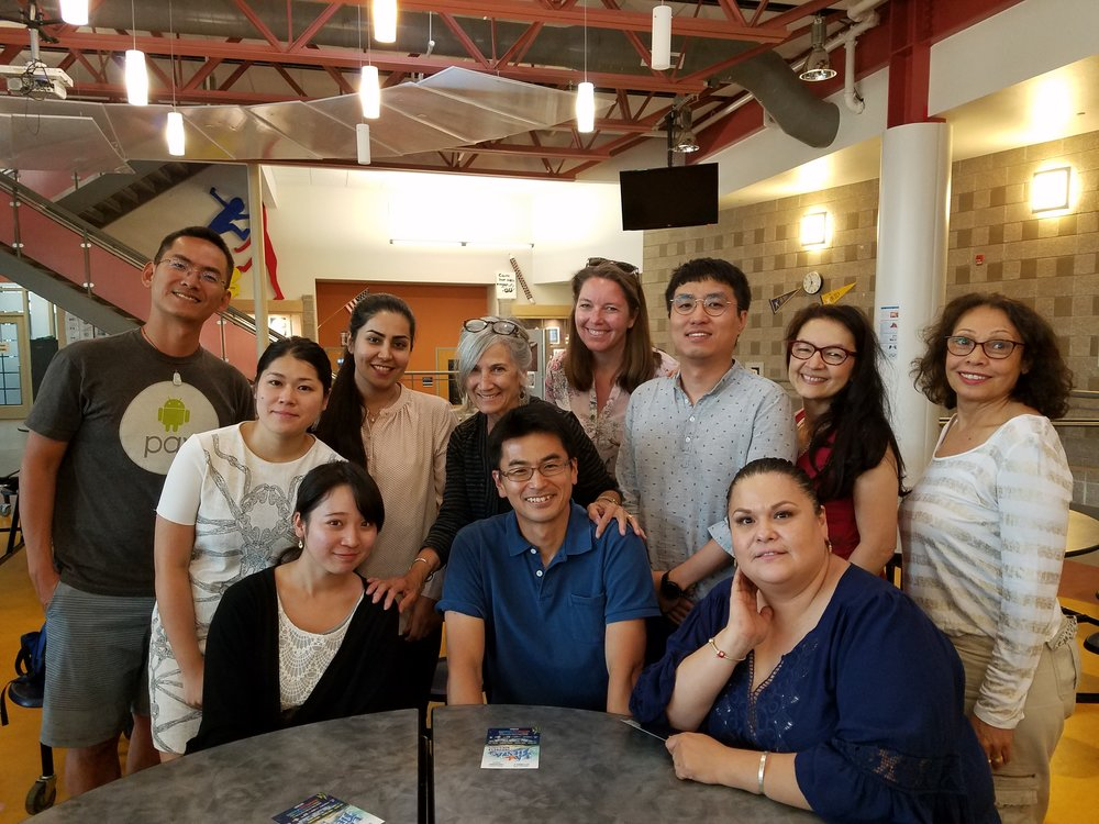 Lois with her Intercambio Students from Japan, Brazil, Iran, Mexico, South Korea, Venezuela and Taiwan.