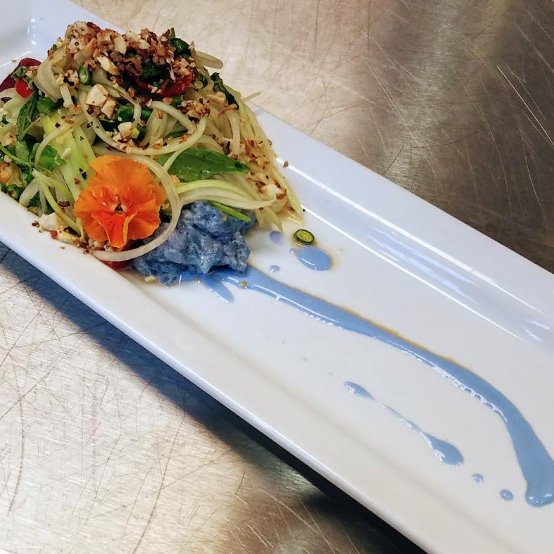 Pea flower green papya salad