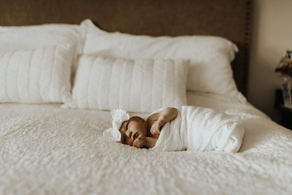 ariel&sam newborn-4.jpg