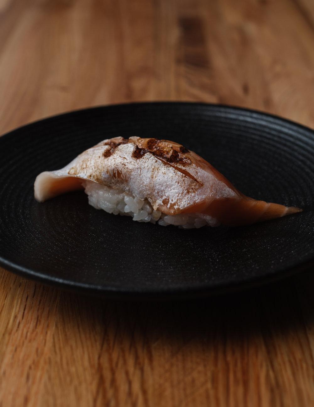 7-torched salmon (sake aburi) - 炙り鮭.jpg