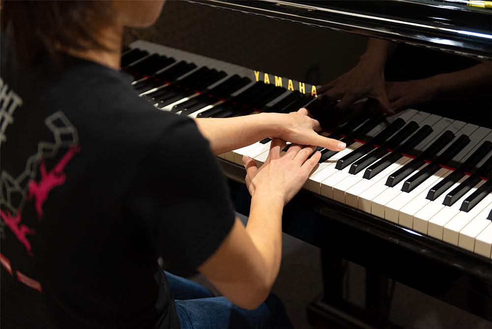 「家事を集中してこなして、できるだけ多くの時間をピアノに」