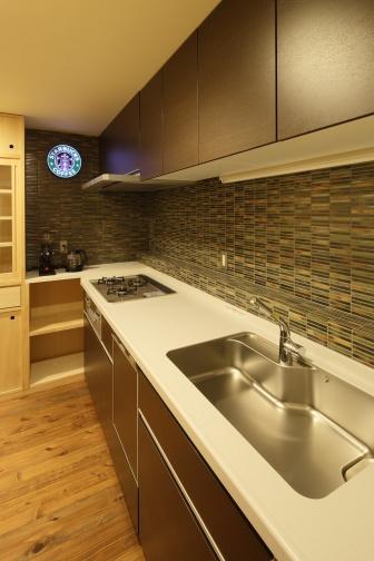 タイル貼りのキッチン2