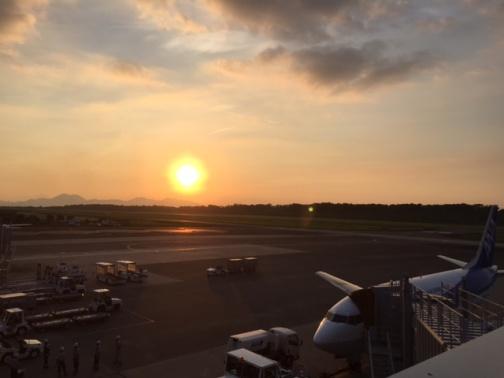 熊本空港の夕陽