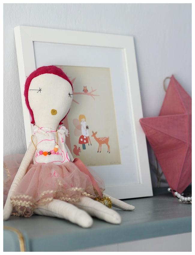 Cuckoo doll details.jpg