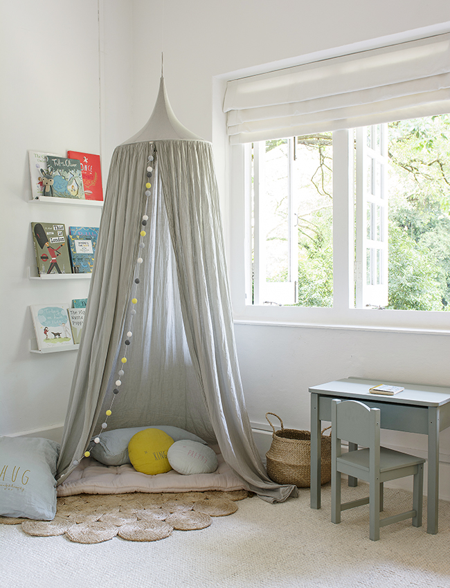 Cuckoo Little Lifestyle canopy in room.jpg