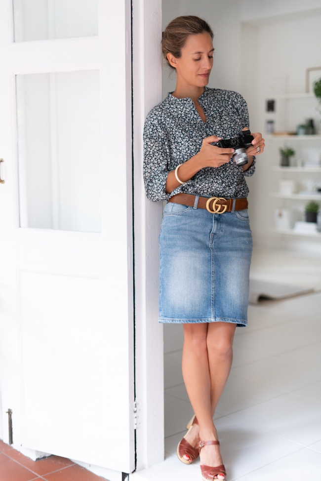 Shirt, Uniqlo, find similar  here  | Skirt, H&M, find similar  here  | Shoes, Swedish Hasbeens, find similar  here  | Belt, Gucci, find similar  here