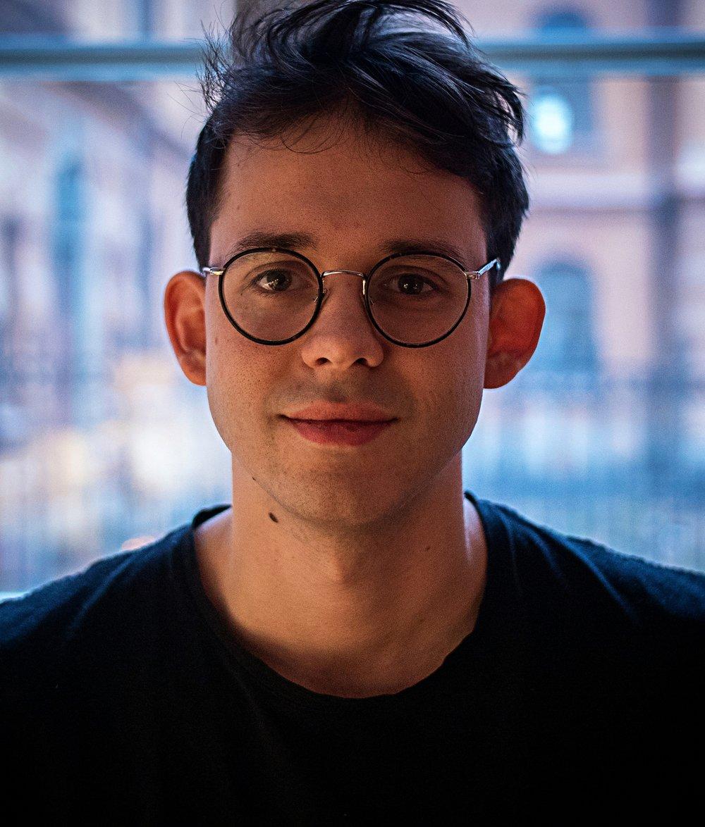 Samuel - Content producent, FAD, projektledare och ansvarig för content marketing, (Stockholms filmskola).samuel@betoumedia.com