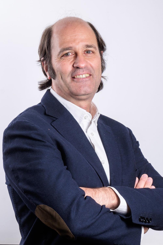 Alvaro Varela_V100A.jpg