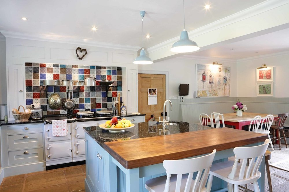 Bright and beautiful family kitchen
