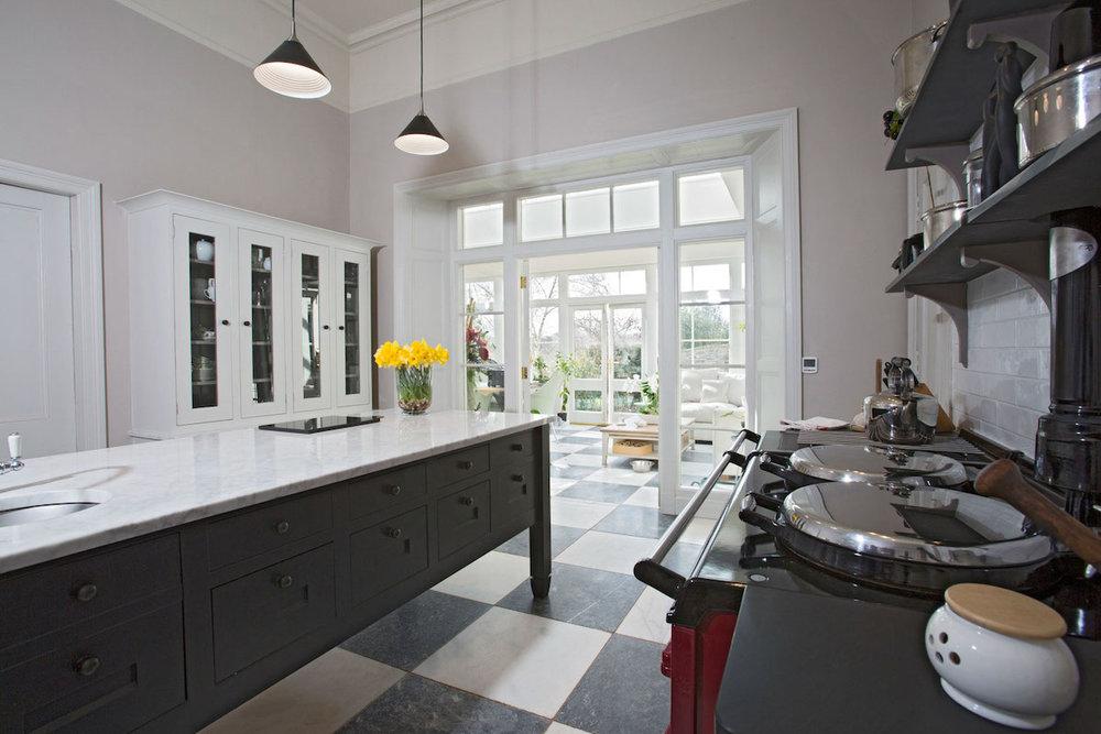 Beautiful bespoke contemporary kitchen