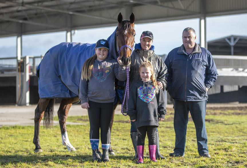 Goodtime Heaven arriving at Menangle with Courtney, daughters Zarah and Indi, and Ian Slater