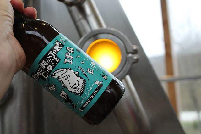 🍺 Sapete che abbiamo perfezionato la ricetta della #brewmasterschoice IPA? 🌾È diventata una  #IPA 100% malto d'orzo 🌾 Da oggi la trovate da @aldi_italia correte ad assaggiarla ✌ . . . #brewery #microbrewery #birra #birraitaliana #bevilafacile #brewmasterschoiceipa #indiapaleale  #italianale #italianbeer #brewer #brewerlife #paleale #beer #beers #beeroftheday #instabeer #foodie #italianfood