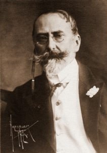 Chase in 1900