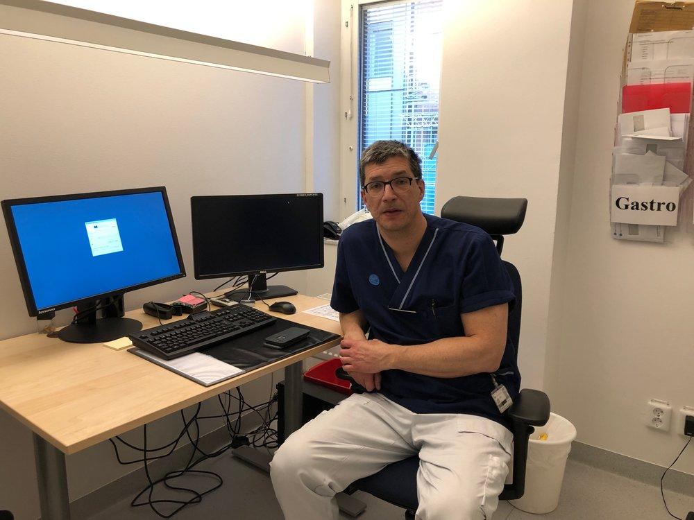 I senaste avsnittet av dopningspodden möter ni endokrinologen Mikael Lehtihet; här på sitt rum på medicinmottagningen på St. Görans Sjukhus.