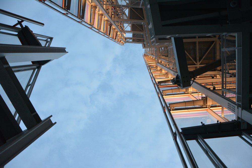 architecture-building-construction-220885.jpg
