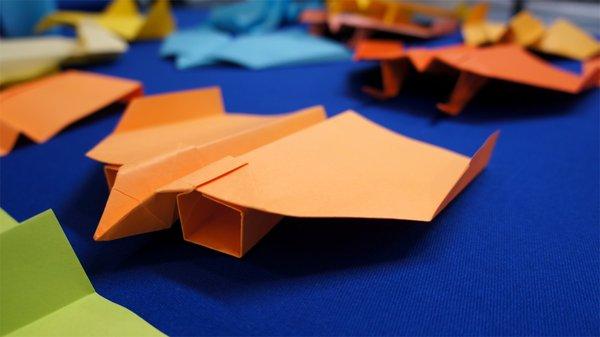 55-37142-paperairplane_teaser.jpg