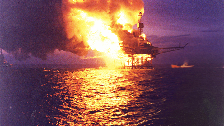 Piper Alpha amidst the blaze, 6th July, 1988.