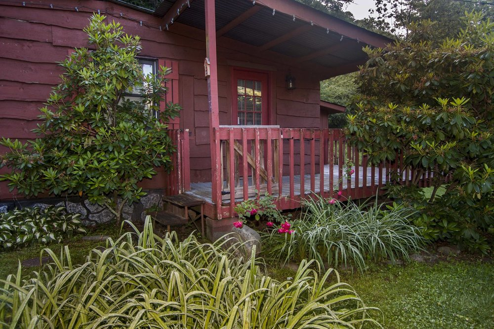 Smoky View Cottages & RV Resort