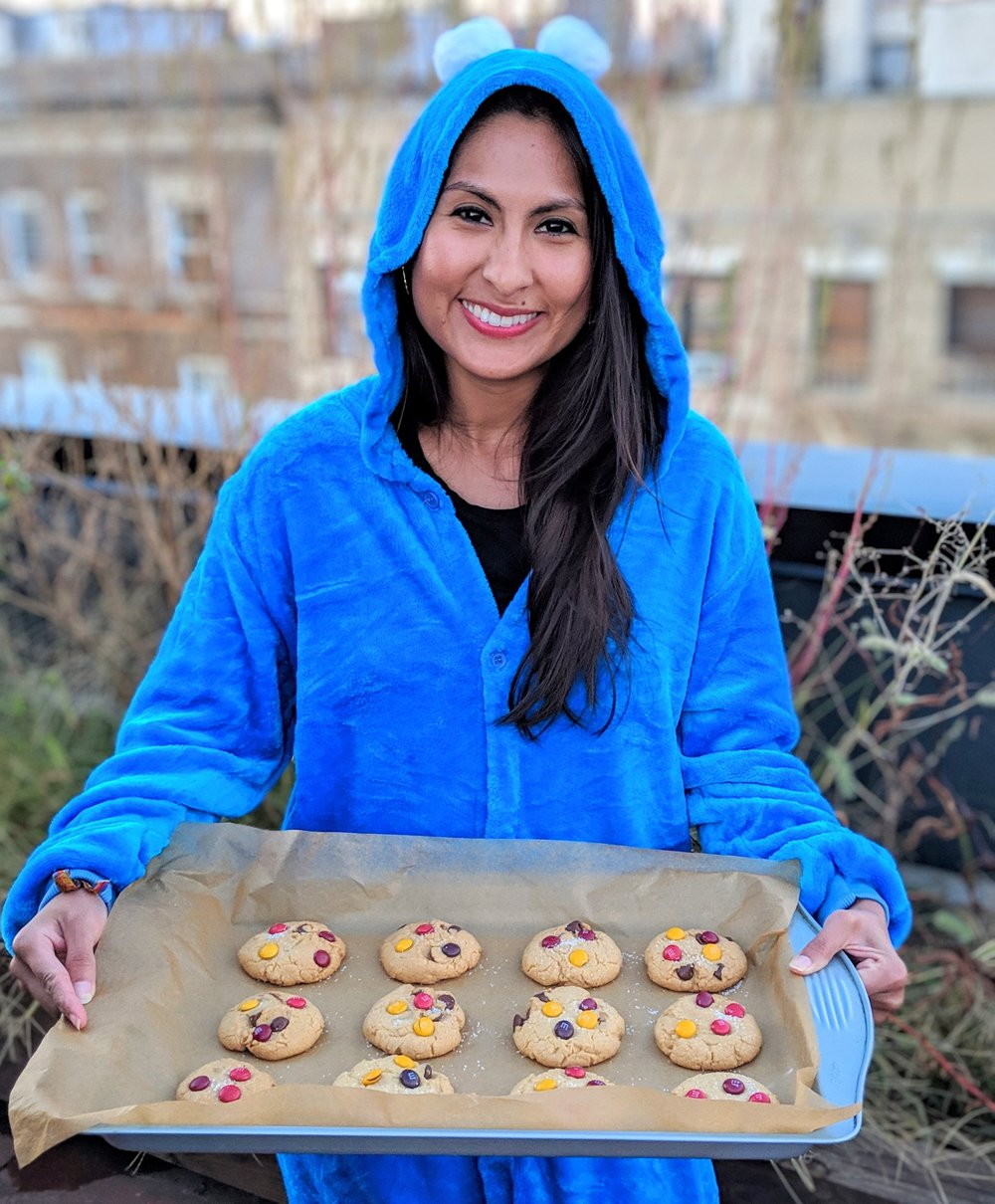 Your resident Cookie Monster, Cyn