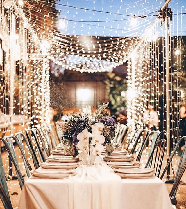 Imagining one of our free flowing bespoke tables right down the centre of this beautiful set up by @harperarrow ✨ #TheGrazeSpot