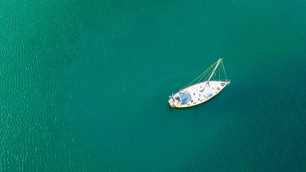aerial-view-bird-s-eye-view-boat-910154.jpg