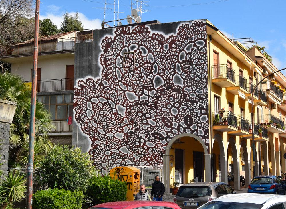 Τοιχογραφίες σε Μοτίβο Δαντέλας από την NeSpoon