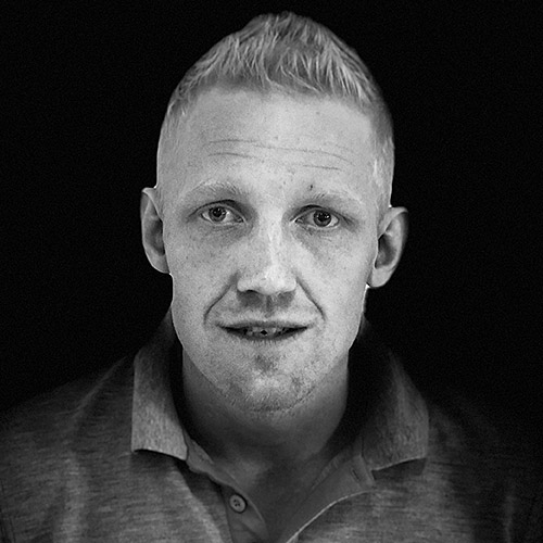 Peter Eklöf - Arbetsledarepeter@byggtjanstilerum.se0704-22 52 62