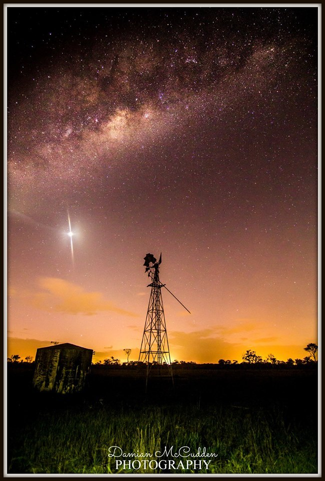 Milky Way rising over the Windmill with Venus not far behind.  Sippy Downs Farm, Australia. 1/3/14.  | Iso1600 | f2.8 | 15secs | 11mm | Canon 60D | Tokina 11-16mm |