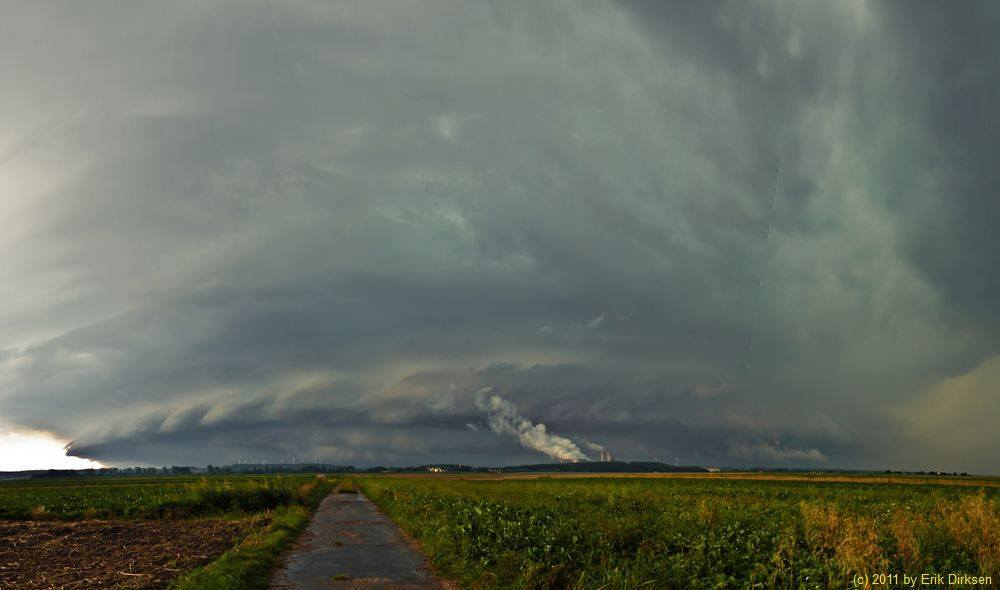 HP Supercell over Aachen. Shot near Pier, Germany on August 18th 2011