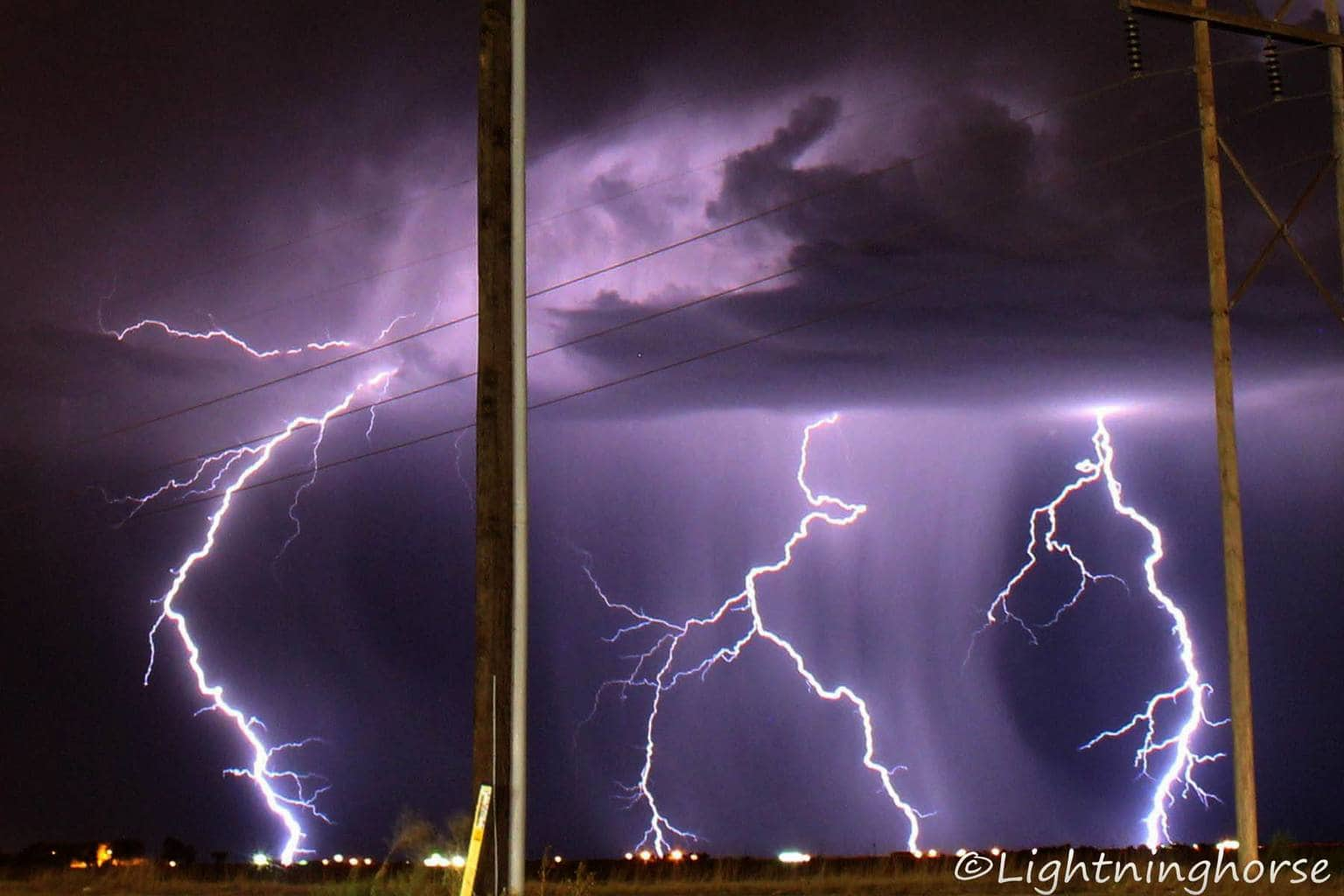 I lived in Tucson for 17 yrs before moving to Amarillo 4 yrs ago. When in Tucson I did alot of Lightning photography and felt that the storms weren't powerful enough in Amarillo...until this night!