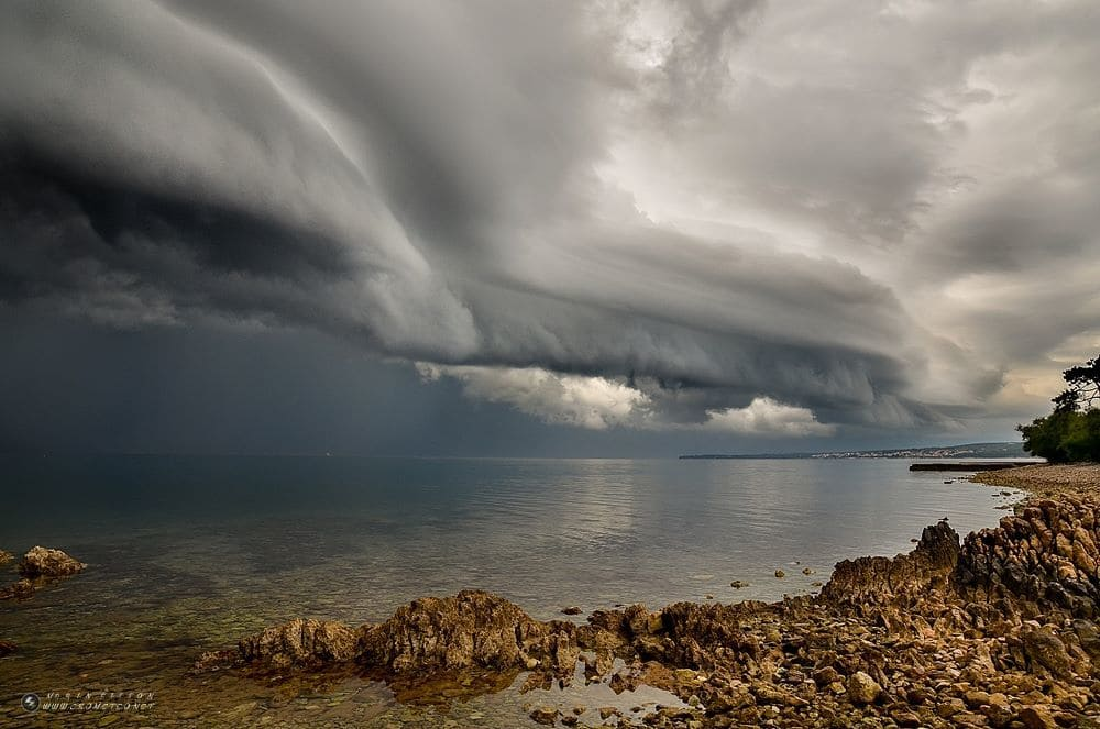 "Morning shelf cloud ""eating"" seafron of my home town Zadar"
