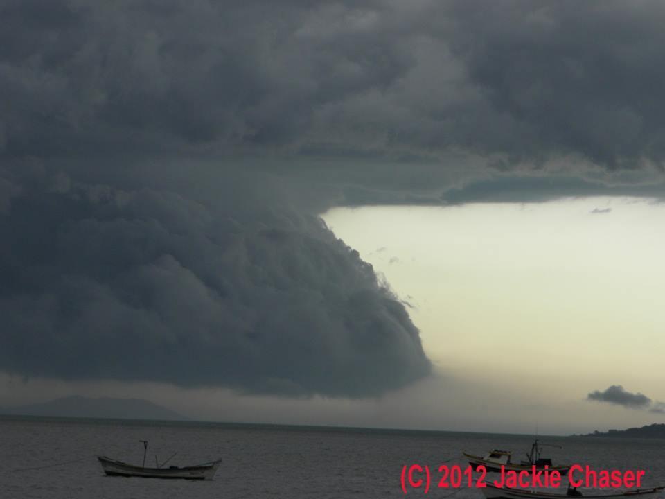 This storm broke roofs at Canasvieiras beach, in Florianópolis. Brazil, 01.03.2012.