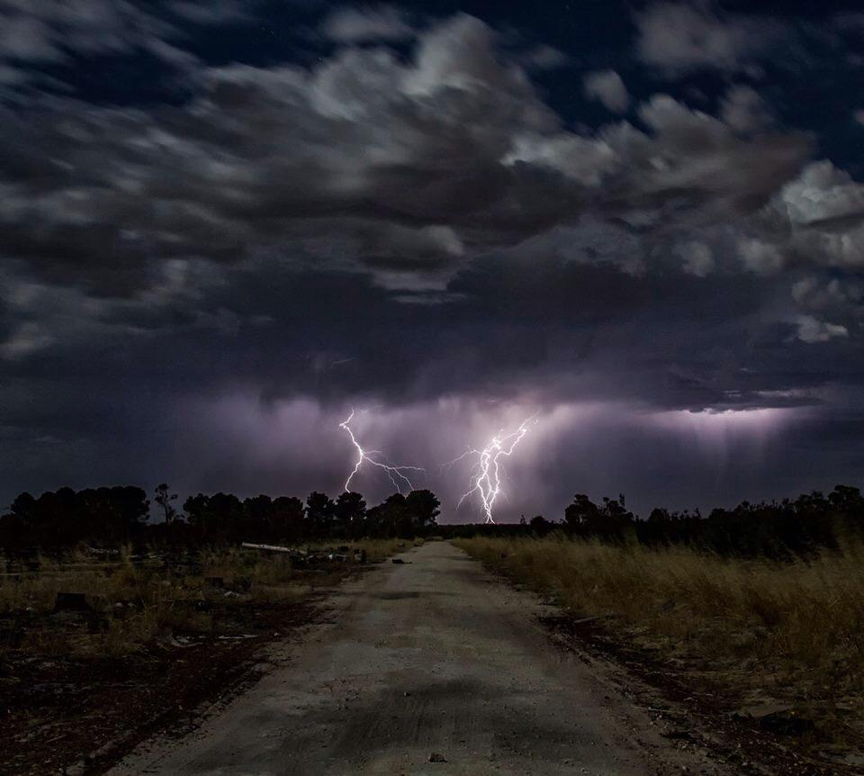 Got my first storm pics for 2015 the other night. Weren't as close as i would have liked, and I was in no shape to chase them having not had much sleep for the week leading up to that night/morning. I do like the spooky feel to this pic though.