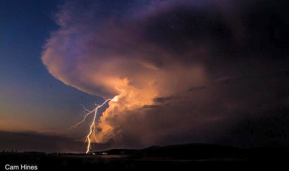 Some clear air lightning on dusk from one of my favorite storms last year.  Westbrook, Australia from mid November.