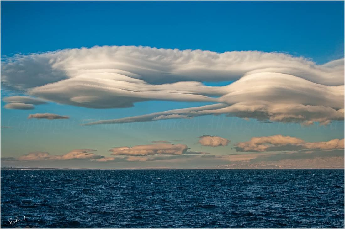 My favorite shoot of lenticularis clouds... 1.1.2015. M.Lošinj / Croatia