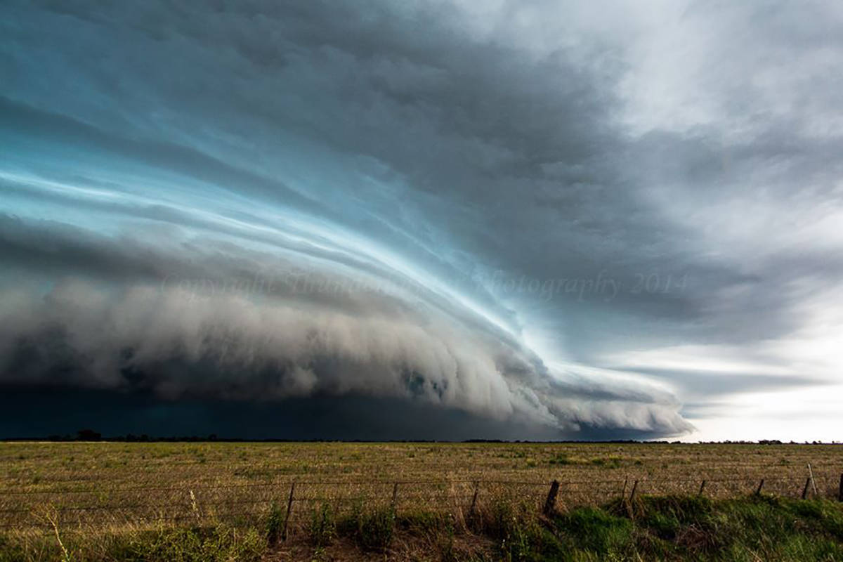 We observed embedded supercell structures along this bowing line near Echuca, Australia - 4th Feb 2011.