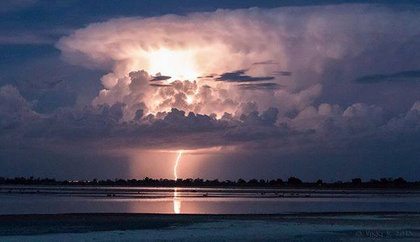 A passing electrical storm in Mildura on 12.2.15. No rain and no thunder but a great lightning show.