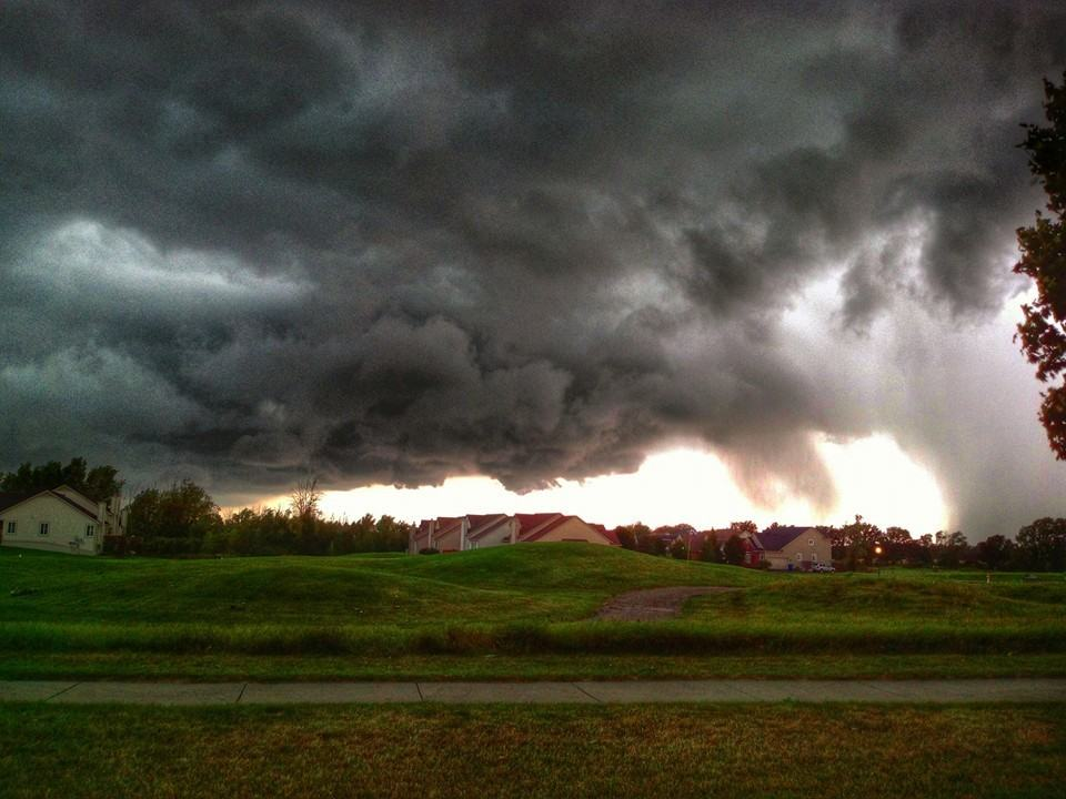 2nd picture of a severe warned thunderstorm. Grand Blanc Michigan.