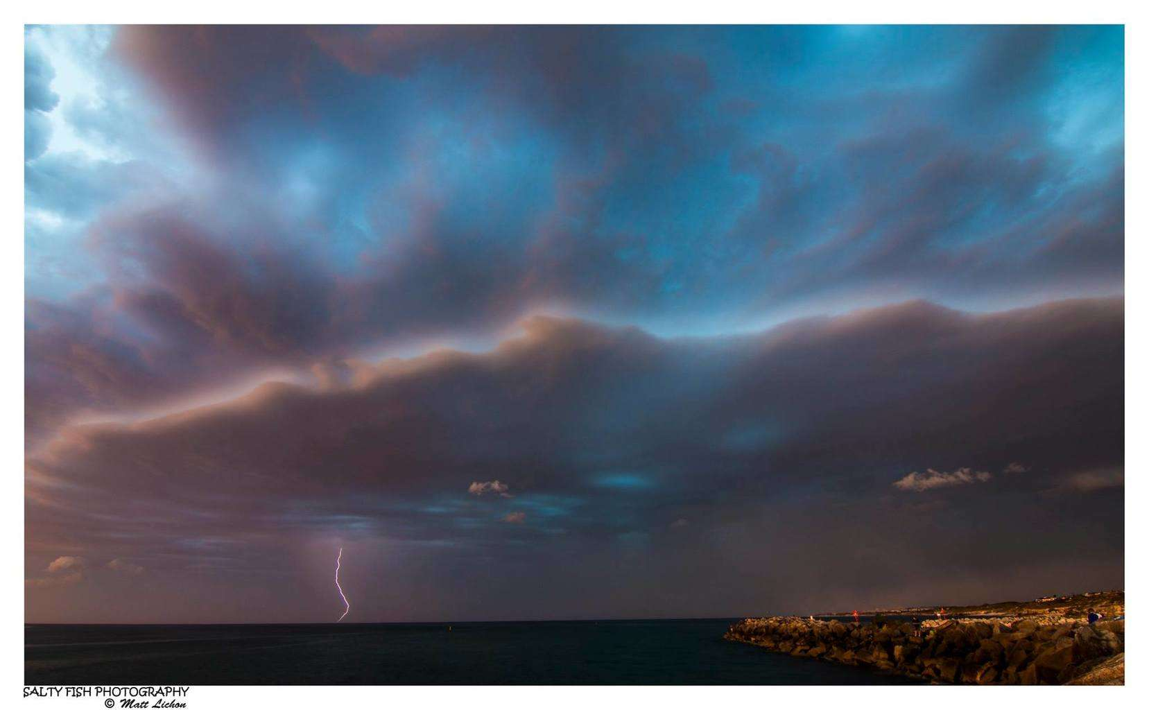 Perth as it was about to get hit by a massive cell! Adrenaline was pumping during this sunset shoot! ISO 100, f 10, 2 sec exp